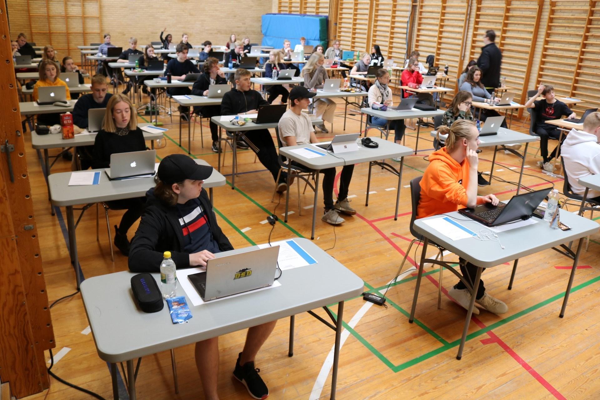 dansk a eksamen